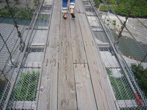 谷瀬のつり橋_真上