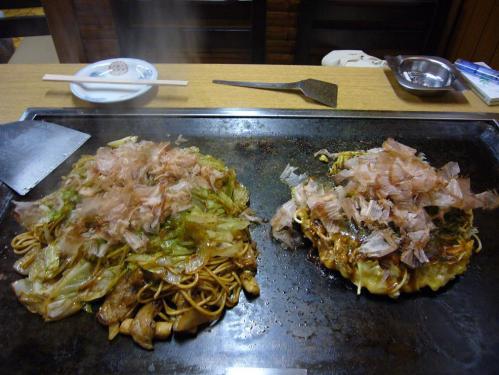 みや古_モダン焼き、焼きそば、野菜炒め