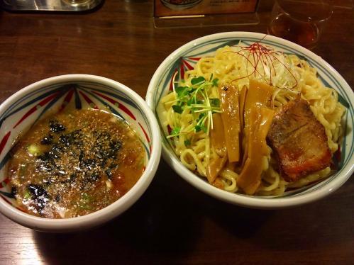 周月_水曜限定鶏骨スープ