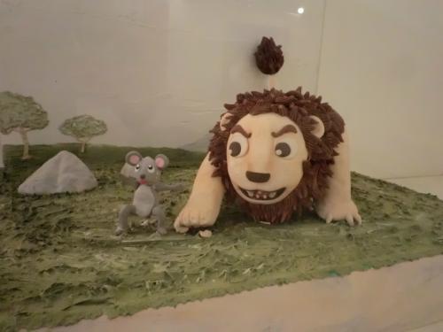 お菓子の城_ライオン