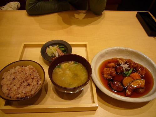 鶏の黒酢あんかけ定食