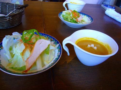 ぱれしゃとう_ランチのサラダ
