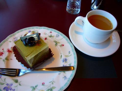 コルシカ_抹茶ケーキ