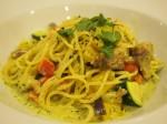 パスタマニアグリルチキンと夏野菜のバジルクリームスパアップ