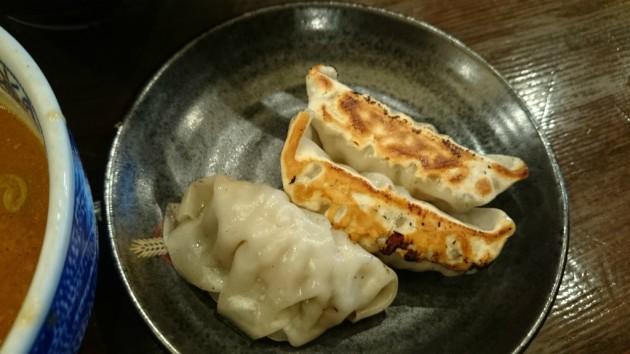 三田製麺所阿倍野店セットの餃子